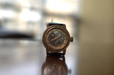 Золотые часы GoldEon