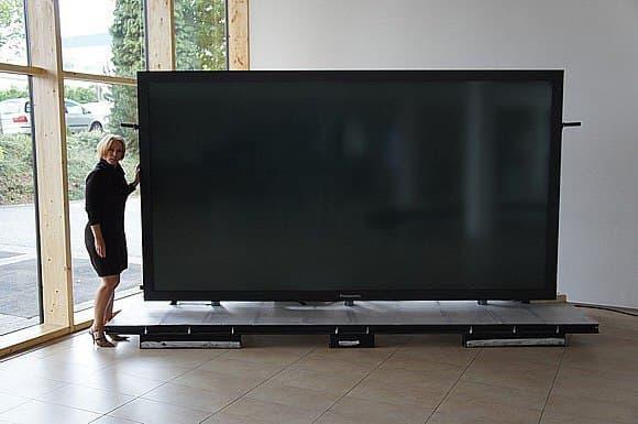 """Телевизор """"Titan Zeus 4k"""""""